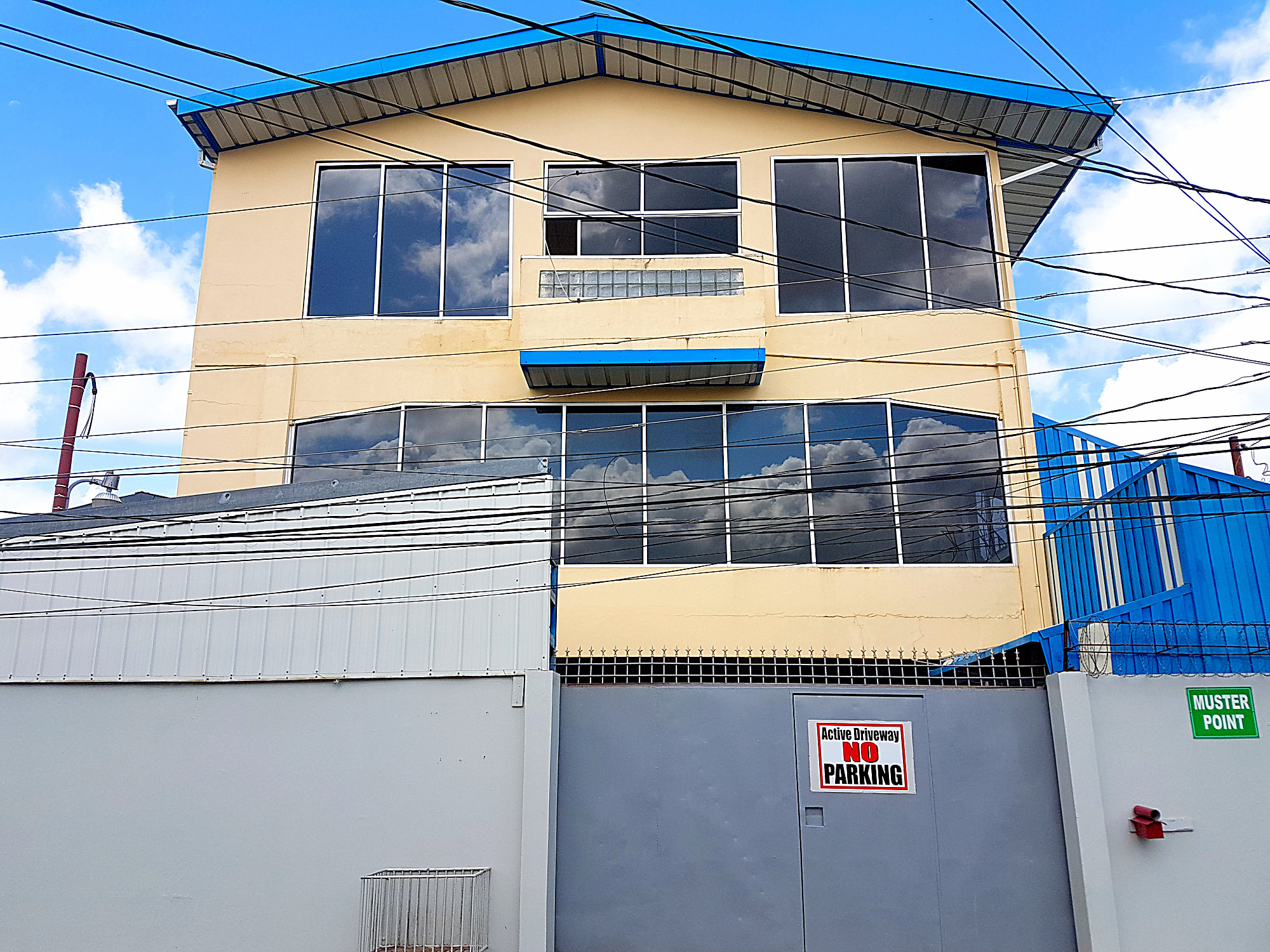 Commercial Building for Lease, San Fernando