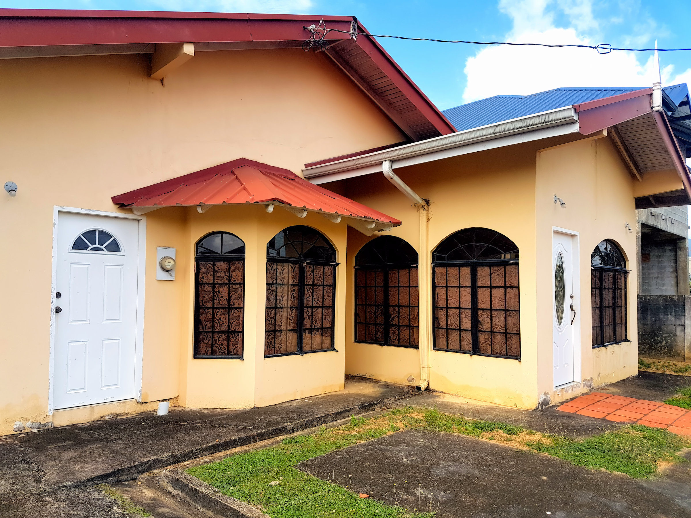 Flat House in Sunrise Park, Trincity